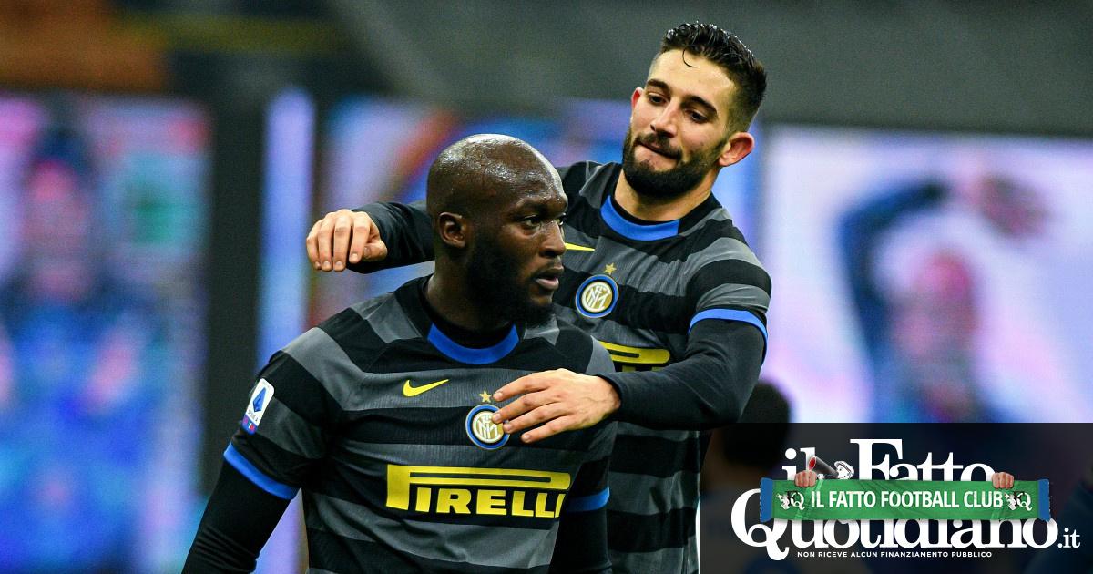 Risultati Serie A, in vetta vince solo l'Inter nel big match contro il Napoli. Un punto per Juve e Milan: in vetta 5 squadre in 5 punti