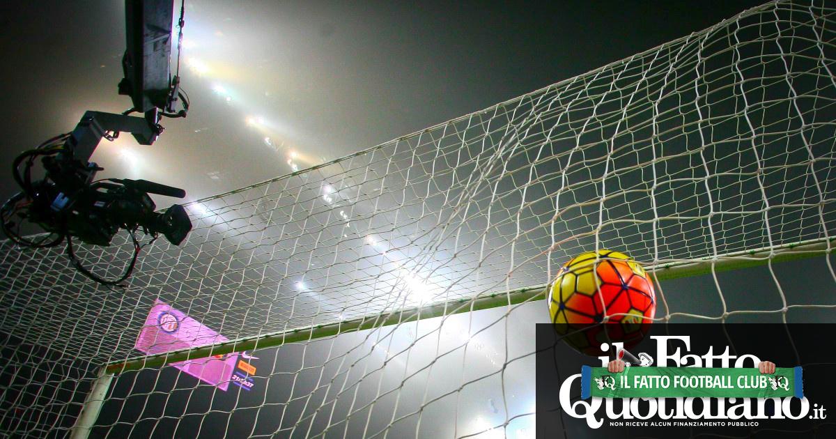 """Coronavirus, M5s contro Lega calcio: """"L'Italia lotta per la vita, loro chiedono l'abolizione del divieto di pubblicità sull'azzardo"""""""