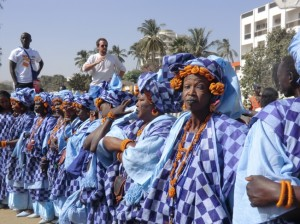 Le donne di Dakar con il Boubou a quadri al Forum Sociale Mondiale