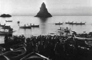 """Un fotogramma dal film """"La terra trema"""" di Luchino Visconti"""