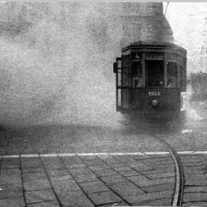 Tram nella nebbia