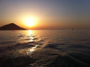 Tramonto sul mare. Foto di Fabio Picchi