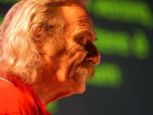 Il poeta newyorchese Jack Hirschman