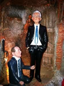 Monti e Berlusconi nel presepe di Marco Ferrigno
