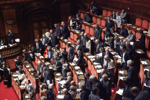Corruzione il senato approva la convenzione di strasburgo for Camera dei senatori