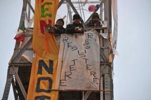 torre faro milano operai protesta