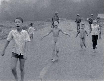 Disegno Di Bambino Che Corre : Vietnam 1972 kim puch e la foto che fermò la guerra il fatto