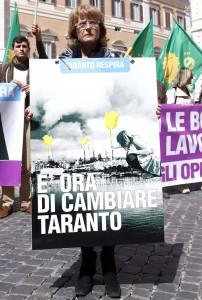 Sit-in per la bonifica dell'Ilva di Taranto