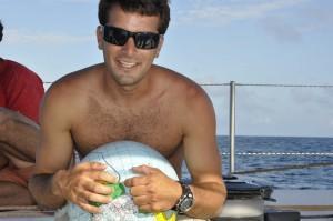 Giovanni Soldini: Carlos con il mappamondo