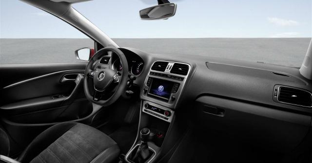 Volkswagen polo col restyling motori pi piccoli e un po for Polo 7 interieur