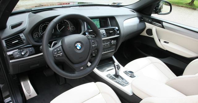 BMW X4 abitacolo